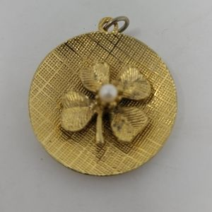 Jewelry - Vintage Gold Tone 4-Leaf Clover with Faux Pearl
